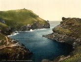 Boscastle entrance to Harbour, Cornwall - Glass Worktop Saver